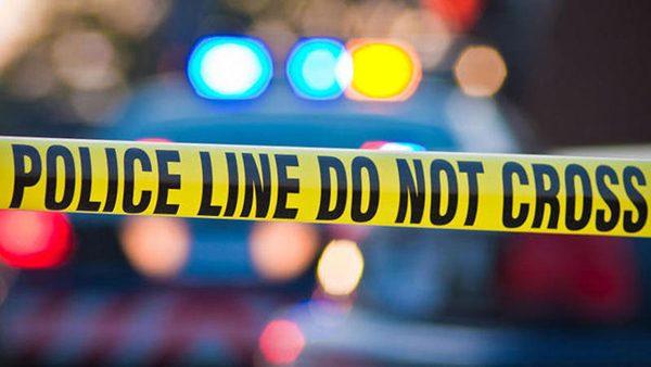 Hombre choca su auto contra una casa en Stillwater