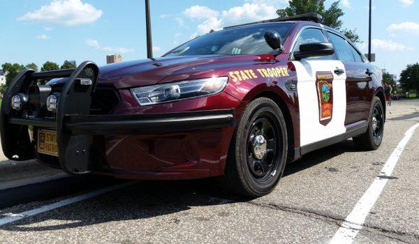 La policía de St. Paul busca al hombre  que está asaltando personas al azar