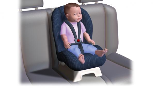 Cae niño de 2 años de un automóvil en movimiento