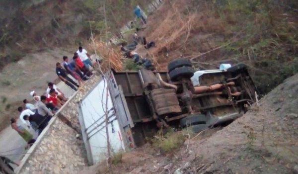 Al menos 25 migrantes mueren en un accidente de tránsito en Chiapas