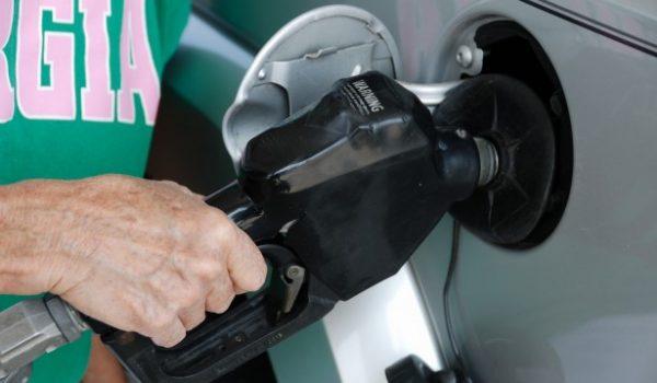 Planean colocar un nuevo impuesto a la gasolina en Minnesota