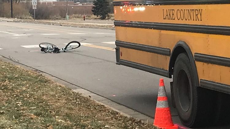 Ciclista fatalmente golpeado por autobús escolar en Brooklyn Park
