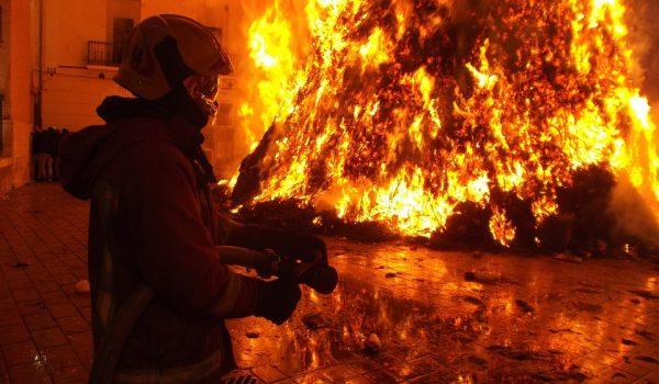 Primer muerte del año de una mujer  en  incendio,  Minneapolis