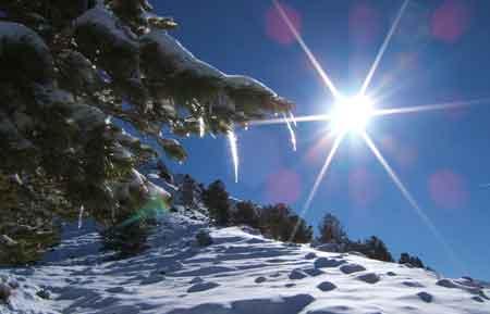CLIMA: La nieve hace que el viaje sea resbaladizo