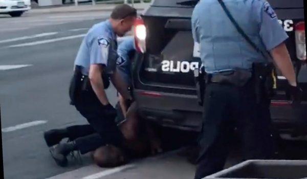 Muere hombre mientras es sometido por elementos de la Policía de Minneapolis