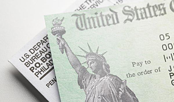 Disminuye el universo de personas que podrían recibir los $1,400
