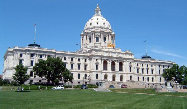 Invitan a esperar para visitas al Capitolio