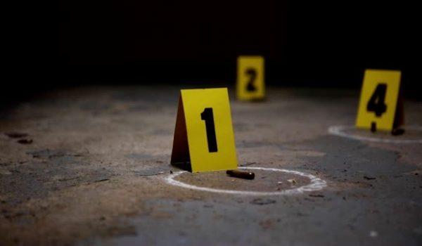Presentan cargos contra sospechosos de asesinato en Bloomington