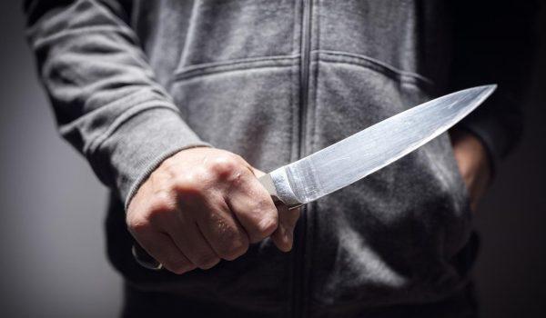 Presunto violador ataca a oficiales de St. Paul