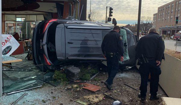 Agrede conductor accidentado a personas que le querían ayudar