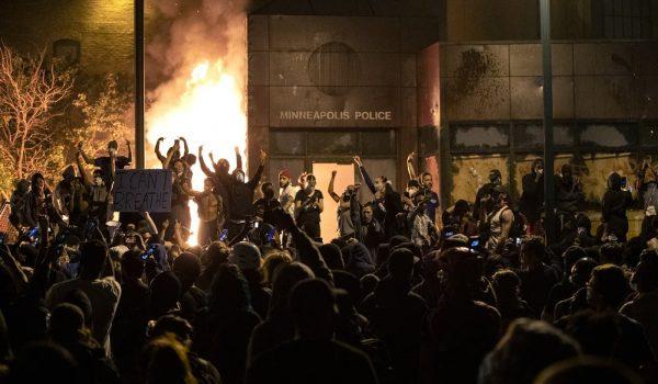 Se declara culpable de incendiar el Tercer Precinto