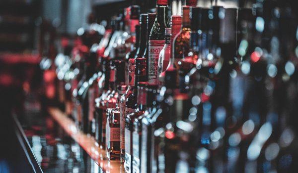 Anuncia en Craiglist costosas botellas de Whisky, y lo atrapan por robo