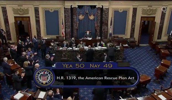 Aprueban en el Senado de los Estados Unidos plan de rescate del Presidente Biden
