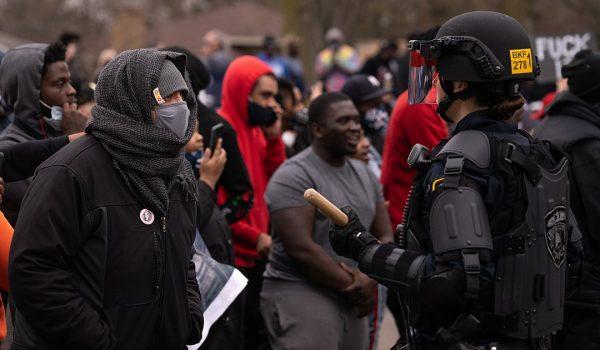 22 contagios han dejado hasta ahora las protestas en Brooklyn Center