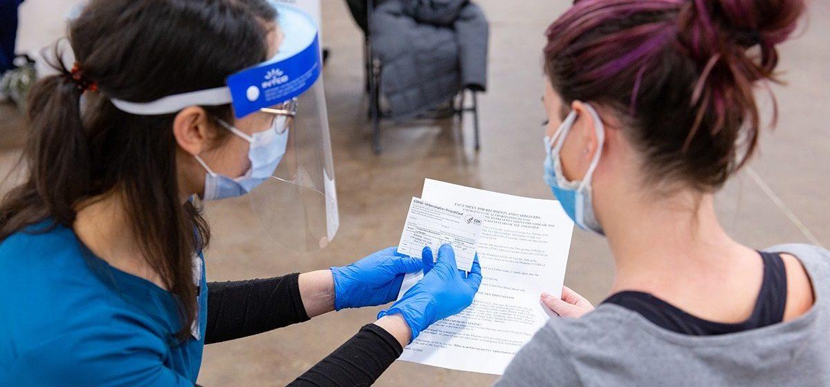 Enfocan fuerzas a vacunar a adolescentes ante la llegada del verano