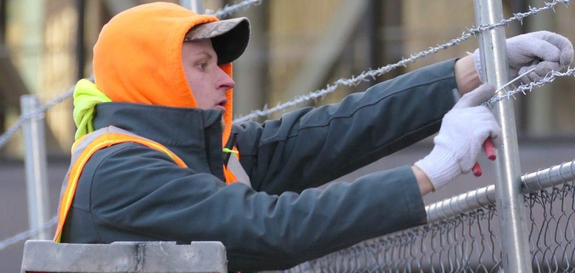 Comienzan a retirar barricadas del Downtown de Minneapolis