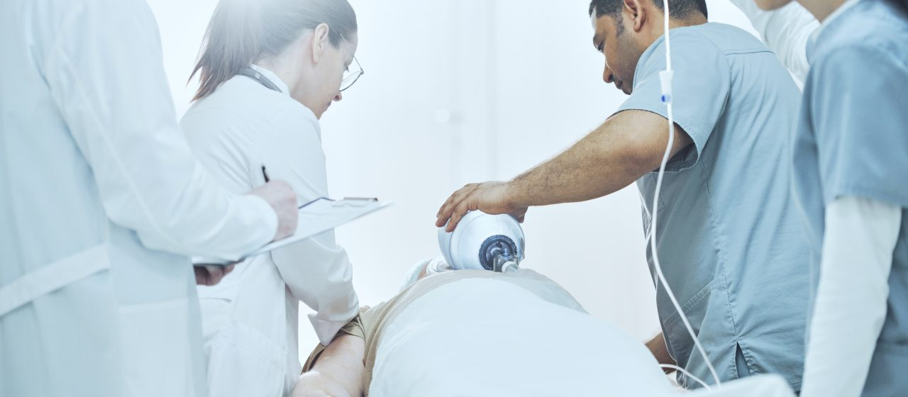 Casi veinte veces más mortandad entre quienes eligen no vacunarse, demuestra estudio