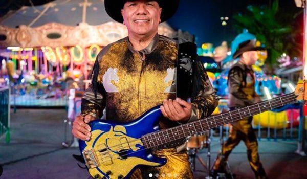 """Lupe Esparza, vocalista de la banda """"Bronco"""", habla sobre su estado de salud después de dar positivo a Covid-19."""